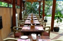 Gallery-Poolside-restaurant-2